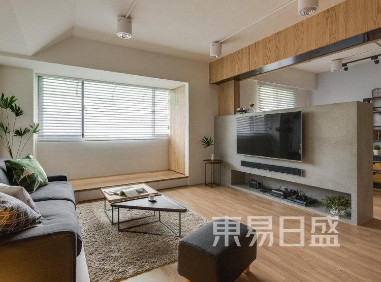 江杨家园100平三居室原木风装修设计案例——客厅