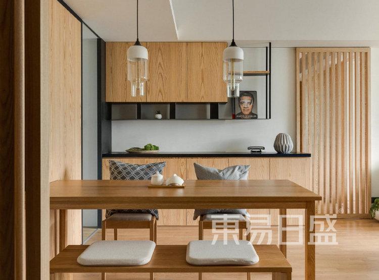 江杨家园100平三居室原木风装修设计案例——餐厅