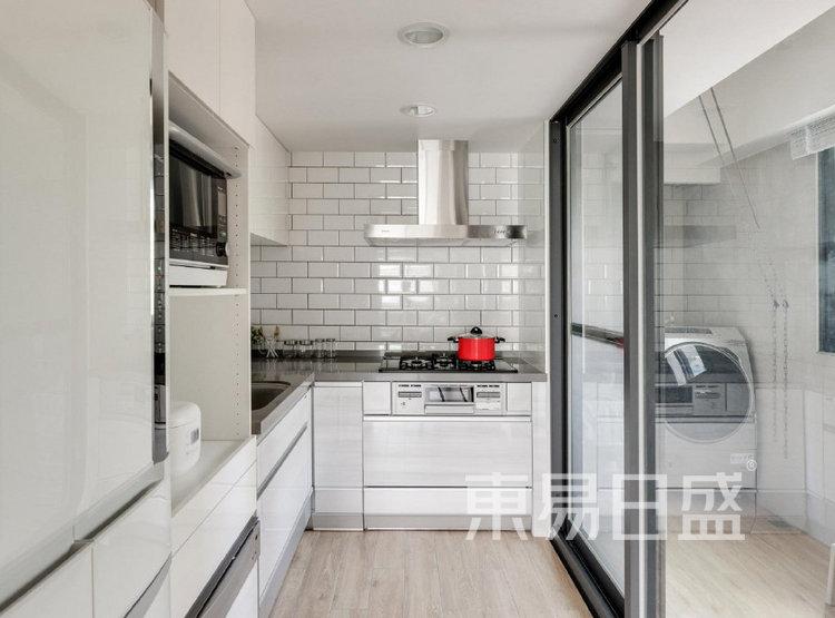 江杨家园100平三居室原木风装修设计案例——厨房