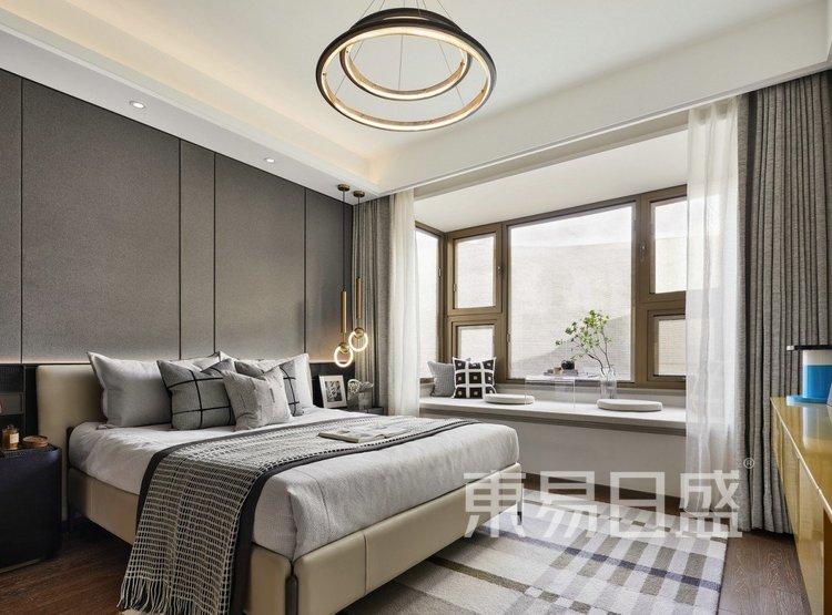 江杨家园140平高级现代灰三居室装修设计案例——主卧