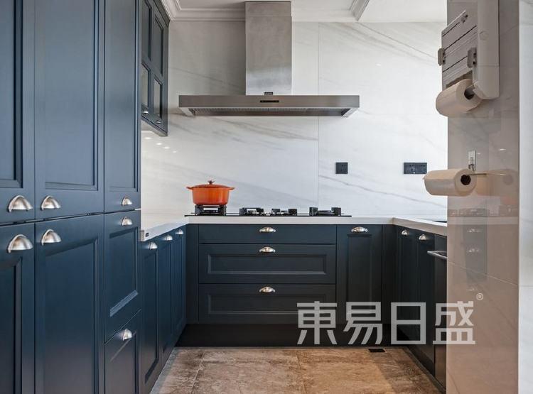 江杨家园200平三居室是美式风格装修设计案例——厨房